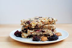 Chewy Almond Cherry Granola Bars - can't eat just one! No Bake Granola Bars, Chewy Granola Bars, Homemade Granola Bars, Tasty, Yummy Food, Healthy Food, Healthy Eating, So Little Time, The Best