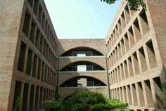 IIM Bangalore hikes fees for two-year course by 6 percent to Rs 17 lakh