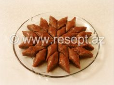 Şokoladlı qozlu paxlava  Resepti: http://resept.az/Sokoladli-qozlu-paxlava-7751.html