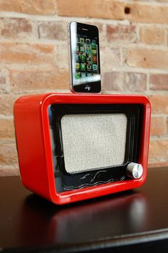 ipod iphone charging station with speakers from vintage radio speaker