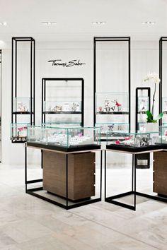 Furniture Showroom Display Yabu Pushelberg 36 New Ideas Jewellery Shop Design, Jewellery Display, Jewelry Shop, Jewelry Stores, Gold Jewellery, Commercial Design, Commercial Interiors, Yabu Pushelberg, Haussmann