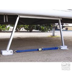 RV Stabilizer // could be a great alternative traditional camper jacks // should save weight and not require any tools