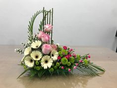 Tropical Flower Arrangements, Creative Flower Arrangements, Flower Arrangement Designs, Church Flower Arrangements, Beautiful Flower Arrangements, Flower Designs, Beautiful Flowers, Fresh Flower Arrangement, Arte Floral
