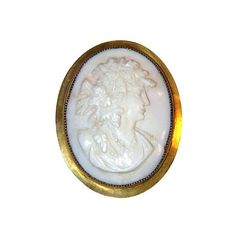 Pre-Owned Victorian Gold-Plated Cameo Brooch ($145) ❤ liked on Polyvore featuring jewelry, brooches, leaf brooch, vintage cameo pendant, vintage jewelry, carved pendant and vintage cameo jewelry