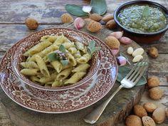 Pennette al Pesto di Salvia e Mandorle, Sage and Almond Pesto, #calendargirls, DiVerdeDiViola