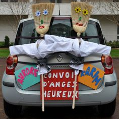Voiture Balais Happily Ever After, Decoration, Wine Glass, Wedding Inspiration, Tableware, Wedding Cars, Arno, Weeding, Photos