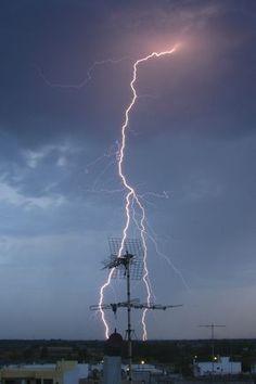 Lightning Hunt by Giacomo Carena
