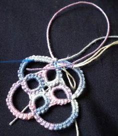 This post was prompted by several e-mails that I received asking me how to hide the thread ends after the tatting is complete.   Tatters don...
