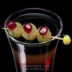 It is candy time! Find the tutorial and more garnish ideas in our app.