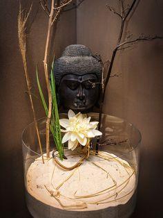 Pon dos maceteros con flores rojas a ambos lados de la - Feng shui en la casa ...