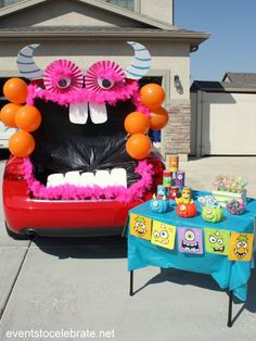 Trunk or Treat Monster - easy to assemble in just a few steps! You'll have the best Halloween car decorations on the block! Silly, a little spooky and a whole lot of fun! This monster themed Trunk or Treat will be the best on the block! Halloween Car Decorations, Halloween Carnival, Holidays Halloween, Halloween Themes, Halloween Crafts, Halloween Party, Outdoor Halloween, Happy Halloween, Halloween 2017