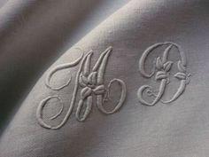 Monogram M D