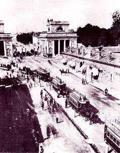 Milano, inaugurazione della tranvia a cavalli per Monza 1876
