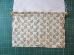 DIY Couture : apprenez à coudre une pochette avec une fermeture éclair Diy Couture, Easy Sewing Projects, Martini, Coupons, Tutorial Sewing, Sewing Tips, Sewing Lessons, Coupon, Martinis