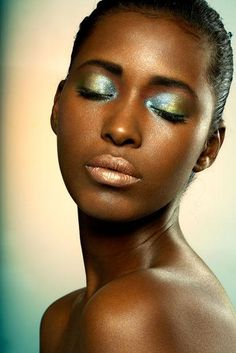 Gold Eyeshadow Black Women | This Isn'T Something You Want To Wear To Church, But For A Little ...