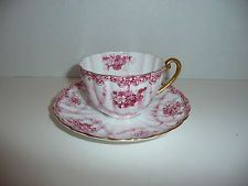 SHELLEY TEA CUP & SAUCER, DAINTY HANGING ROSES LUDLOW, #13956/53