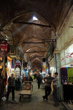 Rehabilitation of Tabriz Bazaar: Interior view of the bazaar before intervention. Photo: AKAA / Amir Anoushfar