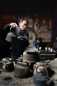 Old Teahouse 彭填老茶館 | Sichuan China 四川 Street Photography, Art Photography, Sichuan China, Art Asiatique, Tea Culture, Chinese Architecture, Tea Art, Chinese Tea, People Of The World