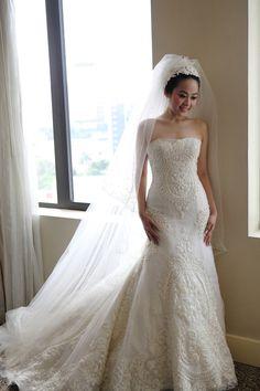 Magnificent Indonesian Wedding at the Mandarin Oriental Jakarta Beautiful Bridal Dresses, Wedding Dress Styles, Beautiful Bride, Bridal Gowns, Wedding Gowns, Wedding Bride, Indonesian Wedding, Lesbian Wedding, Wedding Pinterest