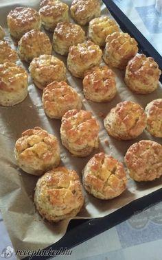 Érdekel a receptje? Muffin, Bread, Baking, Breakfast, Ethnic Recipes, Anna, Food, Morning Coffee, Bakken