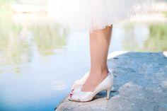 Non leather bridal shoes / high heel bridal shoe / open toe wedding shoes / beautiful bridal shoe / Peep Toe Wedding Shoes, Prom Shoes, Bridal Shoes, Bridal Car, Low Heel Shoes, High Heels, Shoes Heels, Vintage Inspired Shoes, Bridal Jumpsuit