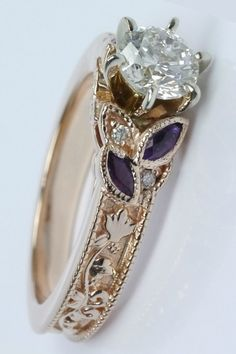 http://rubies.work/0330-sapphire-ring/ Gorgeous antique style... (Stunning)