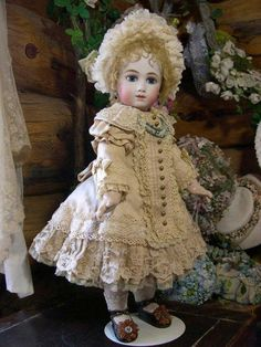 bebe by sayuri. Thullier dollYou can find Antique dolls and more on our website.bebe by sayuri. Victorian Dolls, Antique Dolls, Vintage Dolls, Antique Lace, Pretty Dolls, Beautiful Dolls, Girl Dolls, Baby Dolls, Doll Costume