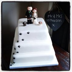 Dog paw prints on the cake  my Scottish couple with their Spaniels cake  topper  Bride and groom cake topper with beagle dogs at Harbour heights  . Novelty Wedding Cake Toppers. Home Design Ideas