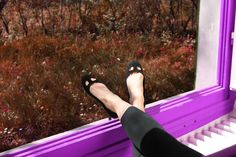 #durval #shoes #ballerine #ballerinas #flat #youmusthaveit #madeinitaly #florence #firenze #iloveshoes #iloveshoppig #leather #fashion #moda #fashionblogger #suede #cute #feet #crown #colours #black