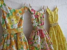 What do you do with vintage sheets? Turn them into gorgeous vintage Vintage Outfits, Vintage Dresses, Vintage Fashion, Vintage Sheets, Vintage Fabrics, Vintage Prints, Pretty Outfits, Pretty Dresses, Flowery Dresses