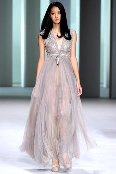 Brand : Elie Saab Season : Spring/Summer 2011 Ready-to-Wear State : Paris Designer : Eli...