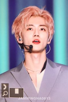 Pink Hair, Blonde Hair, Nct Dream We Young, You Are My World, Nct Dream Jaemin, Na Jaemin, Guys And Girls, Jaehyun, Beautiful Boys