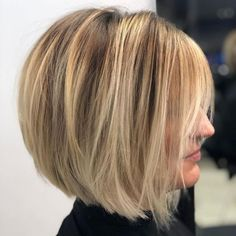 60 Layered Bob Styles: Modern Haircuts with Layers for Any Occasion Rounded Bob with Long Bangs Modern Bob Hairstyles, Layered Bob Hairstyles, Bob Hairstyles For Fine Hair, Long Bob Haircuts, Haircuts With Bangs, Hairstyles 2018, Wedding Hairstyles, Haircut Bob, Ponytail Hairstyles