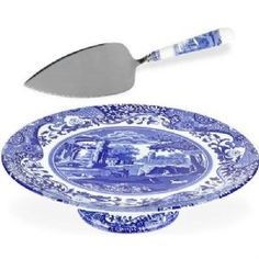 With a quaint country scene and the Imari Oriental border of Spode's Blue Italian dinnerware, this porcelain cake stand lends distinct old-world charm to traditional tables. Blue Willow China, Blue And White China, Blue China, Blue And White Dinnerware, Blue Dinnerware, Blue Dishes, White Dishes, Pedestal, China Tea Sets