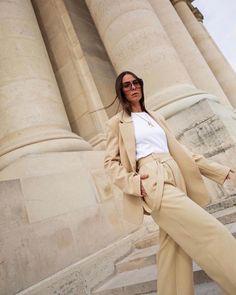 Spring suit #backinstock ! Beautiful @jaimetoutcheztoi #easychic #frankiegirl #thefrankieshop Modest Outfits, Chic, Sustainable Fashion, Her Style, Spring, Insta Pic, Easy, Duster Coat, Luxury Fashion
