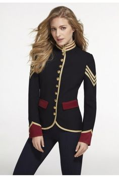 The quintessential Spanish Luxury Brand THE EXTREME COLLECTION brings a legacy of iconic military-style jackets for women and classic jackets to modern ready-to-wear blazers. Discover the sophisticated opulence of our iconic jackets Military Style Coats, Military Looks, Military Jacket Women, Pretty Outfits, Cool Outfits, Fashion Outfits, Womens Fashion, Military Inspired Fashion, Military Fashion