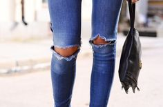 Ripped Denim and Leather : love *Denim Outfits* Perfectly ripped, distressed denim on denim trendy gorgeousness Ripped Knee Jeans, Ripped Knees, Torn Jeans, Ripped Denim, Distressed Skinny Jeans, Destroyed Jeans, Blue Jeans, Denim Jeans, Blue Denim
