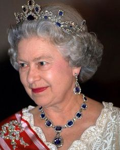 It's Queen Elizabeth's sapphire anniversary! She has more than a few stunning pieces, but this sapphire necklace and earring set is particularly special to her: it was a wedding present from her father, King George VI, in 1947. What pieces will you be wearing in 70 years?💎 💎 💎 💎 #finejewelry #luxury #highjewelry #luxurylifestyle #luxurylife #luxuryjewelry #weddinginspiration #jewelry #currentlywearing #ootd #jewelryaddict #tiffanyblue #loveistiffany #jewelryinfluencer #luxe #jewelrygram…