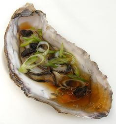 I used to think you should only eat oysters plain and raw. Maybe with a pinch of chopped shallot and a few drops of red rice vinegar, but nothing more. This however, was before I knew about the Chi…