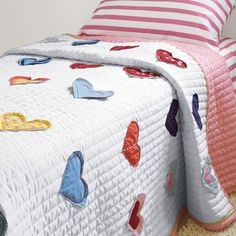 Hanna Home Reversible Heart Appliqued Quilt - craft inspiration