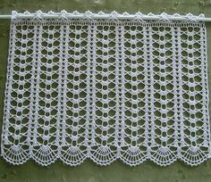 Billedresultat for häkelmuster bistro gardinen This Pin was discovered by Gri ii ki 2 x hakelgardine in weiskleiner Likes, 10 Comments - Muh Discover recipes, home ideas, Crochet Art, Crochet Home, Thread Crochet, Crochet Motif, Crochet Shawl, Crochet Crafts, Crochet Flowers, Crochet Stitches, Crochet Patterns