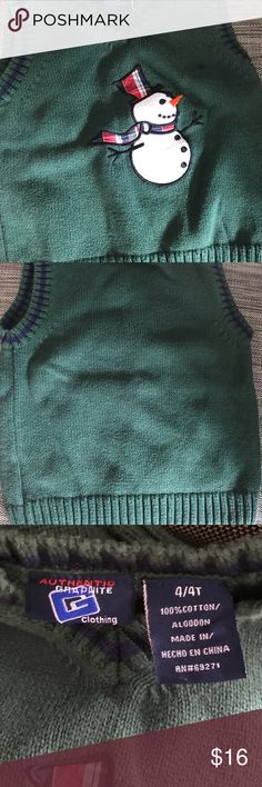 HP🏆Authentic Graphite Toddler vest NWOT size 4-4T green snowman vest perfect for upcoming holidays. Washed but not worn this vest goes with plaid button down Graphic shirt (separate listing) put in bundle for a trendy outfit -vests are wonderful for toddlers to keep warm & allow free arm & hand movement & extra layer under jackets Chosen as Best In Kids 11/26/17🏆🏆 Graphite Clothing Jackets & Coats Vests