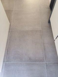 Zwarte imitatie quartziet 60x60 12 tegelhuys huisje pinterest groningen kitchen floors - Imitatie cement tegels ...
