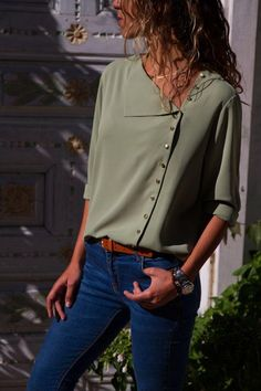 Sage Green Turndown Collar Asymmetric Button Down Blouses Cheap Blouses, Blouses For Women, Blouse Styles, Blouse Designs, Look Fashion, Fashion Outfits, Fashion Design, Stylish Jeans, Blouse Online