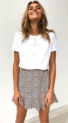 Details: Leopard print High-rise waist Elasticized waistband Frill trim Free Shi… – The Summer Cute Casual Outfits, Cute Summer Outfits, Spring Outfits, Cute Outfits With Skirts, Casual Summer Fashion, Summertime Outfits, Casual Summer Dresses, Outfit Summer, Short Outfits