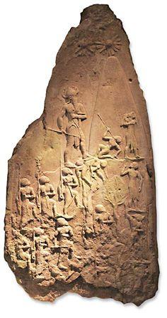 Título: Estela de Naram-Sim.   Autor: Desconocido.   Fecha: 2250 a.C.   Estilo: Mesopotámia.   Material: Arenisca. Medidas: 105 x 200 cm.