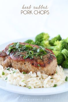 Juicy, tender pork chops with a flavorful herb rub! Such a quick and healthy dinner idea. Loved by whole family & super moist! Pork Recipes, Cooking Recipes, Healthy Recipes, Healthy Dinners, Cooking Ideas, Tender Pork Chops, Good Food, Yummy Food, Pork Dishes