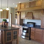 Mantle kitchen in oak, available on 9' walls by Rochester Homes | www.rochesterhomesinc.com