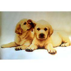 Labradores. Esquema para el bordado con abalorios. Precio 16,30€. Tamaño 41*27 cm El Labrador es un perro enérgico, complaciente y cariñoso con su gente. Su excepcional afabilidad, gentileza, inteligencia, energía y bondad, hacen que los labradores sean generalmente considerados como buenos compañeros para personas de todas las edades, así como fiables perros trabajadores.