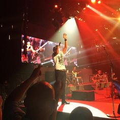 Oh Lord what a great show with @lukebryan & @949thebull at @PhilipsArena  #KillTheLights to #KickUpTheDust  #ThatsMyKindOfNight #HornsUp #GeorgiaCountry #iHeartCountry